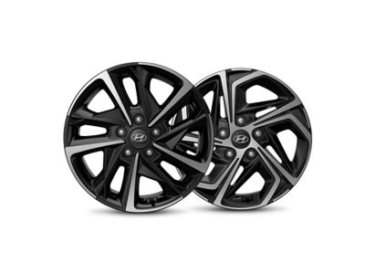 Detailed image of the redesigned 17-inch alloy wheels of the new Hyundai i30.